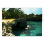Casa de la roca de la cueva de los piratas tarjeta de felicitación