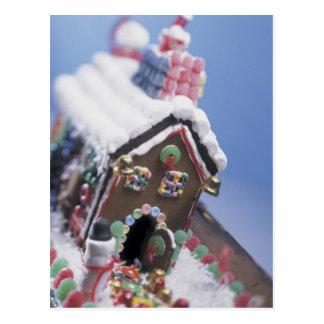 Casa de pan de jengibre sabrosa tarjetas postales