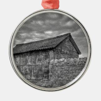Casa de piedra vieja en Lancashire Adorno Redondo Plateado