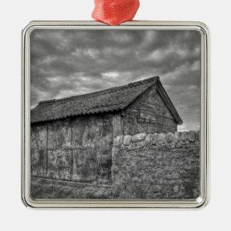 Casa de piedra vieja en Lancashire Adorno Cuadrado Plateado
