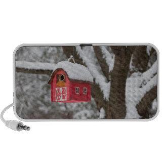 Casa del pájaro en árbol en invierno iPod altavoces