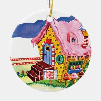 Casa del pan del jengibre de la tierra del adorno navideño redondo de cerámica