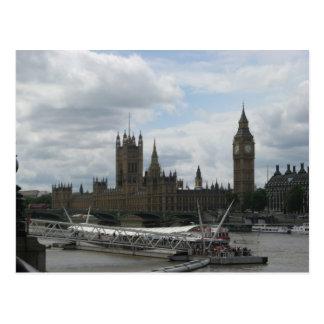 Casa del parlamento en la postal de Londres