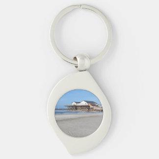 Casa en los zancos en la playa de San Pedro Ording Llavero Plateado En Forma De Espiral