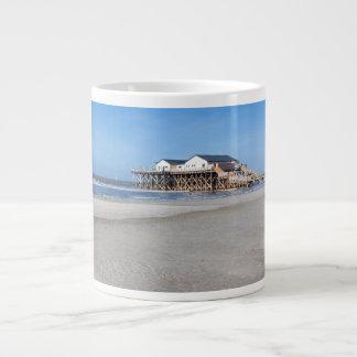 Casa en los zancos en la playa de San Pedro Ording Taza Grande