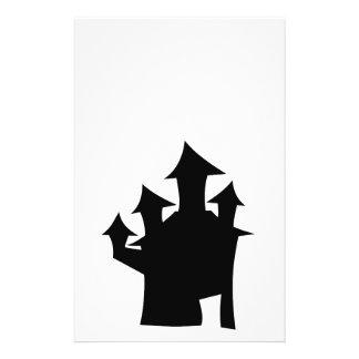 Casa encantada con cuatro torres tarjetón