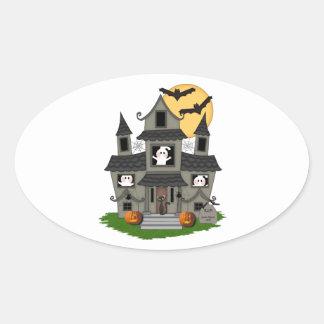 Casa encantada de Halloween Pegatina Ovalada