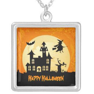 Casa encantada del claro de luna de Halloween en c Joyería