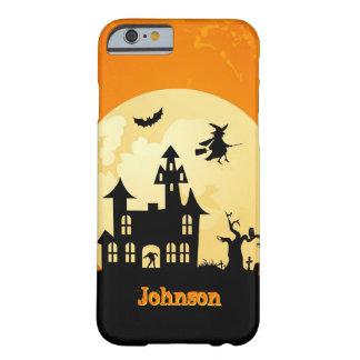 Casa encantada del claro de luna de Halloween en Funda De iPhone 6 Barely There
