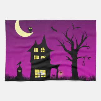 Casa encantada fantasmagórica Halloween decorativo Toalla