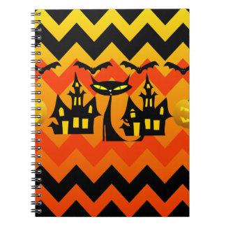 Casa encantada linda Chevron del gato negro de Hal Cuaderno