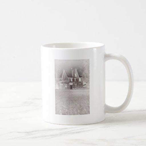 casa encantada taza clásica