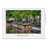 Casa flotante del canal de Amsterdam - pensando en Tarjetón