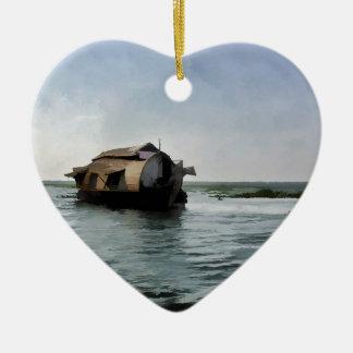 Casa flotante en Kerala en laguna del agua salada Adorno De Cerámica En Forma De Corazón