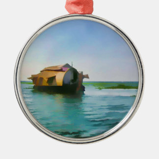 Casa flotante en Kerala en laguna del agua salada Adorno Redondo Plateado