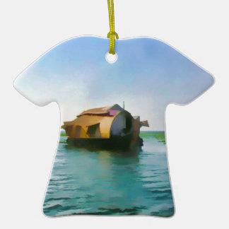 Casa flotante en Kerala en laguna del agua salada Adorno De Cerámica En Forma De Camiseta