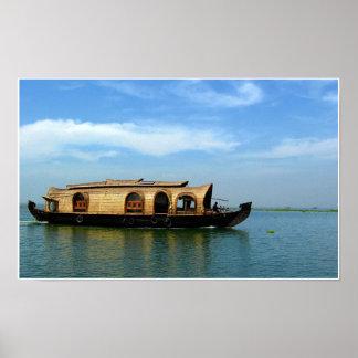 Casa flotante en la India Póster
