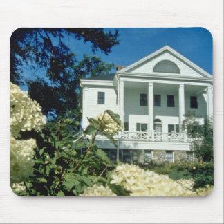 casa histórica blanca de Uniacke, flores de Nueva  Tapetes De Raton