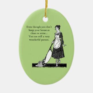 Casa limpia divertida - personalizar adorno navideño ovalado de cerámica