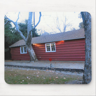 Casa roja Mousepad de Parque Griffith