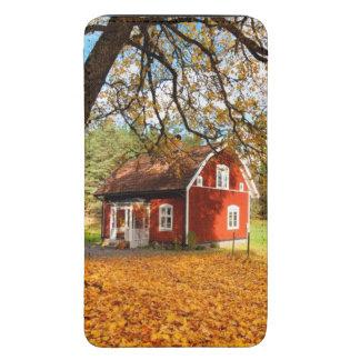 Casa sueca roja entre las hojas de otoño funda para galaxy s5