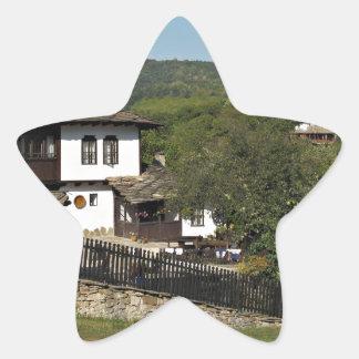 Casa tradicional en el coto Bojenci del pueblo Pegatina En Forma De Estrella