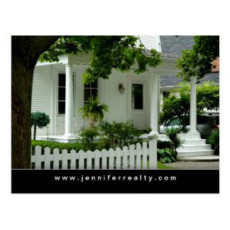 Casa verde blanca de las postales de las propiedad
