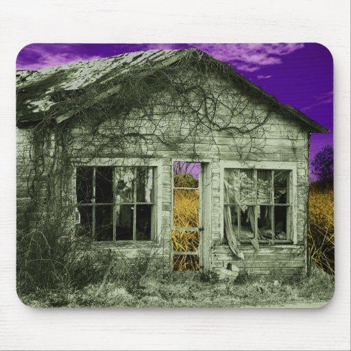 Casa vieja espeluznante tapetes de raton
