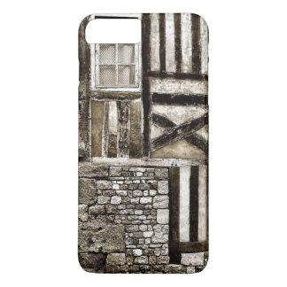 Casa vieja rústica de madera y de la piedra funda iPhone 7 plus
