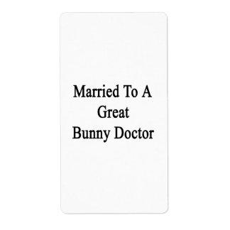 Casado con un gran doctor del conejito etiquetas de envío
