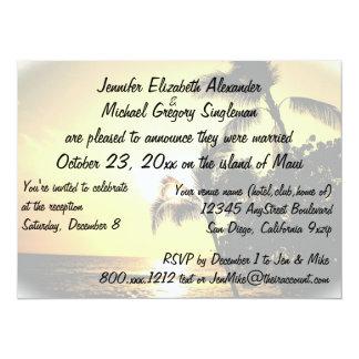 Casado en la invitación de Maui con la foto del