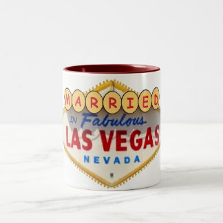 Casado en la taza fabulosa de Las Vegas