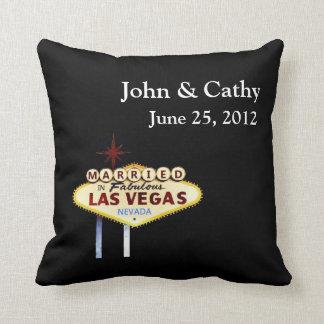 CASADO en Las Vegas personalizó al americano MoJo  Almohada