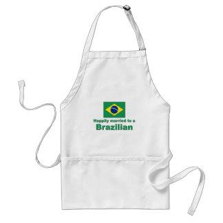 Casado feliz con un brasilen@o delantal
