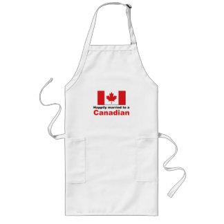 Casado feliz con un canadiense delantal