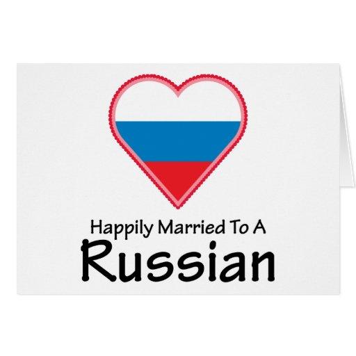 Casado feliz con un ruso tarjeta de felicitación