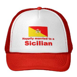 Casado feliz con un siciliano gorro