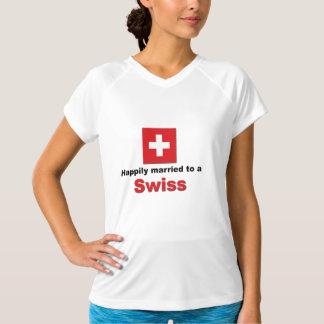 Casado feliz con un suizo playera