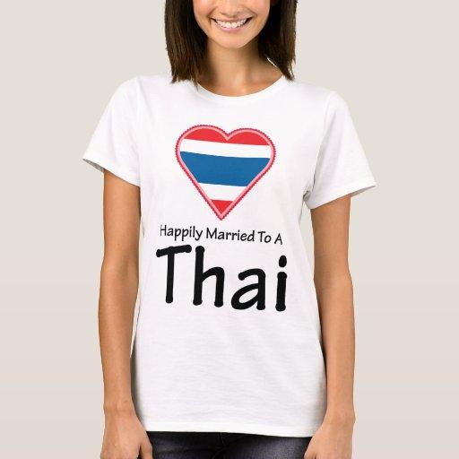 Casado feliz con un tailandés playera