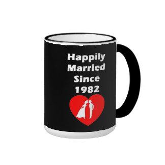 Casado feliz desde 1982 taza de dos colores
