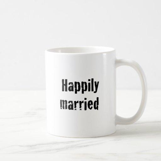 casado feliz taza clásica