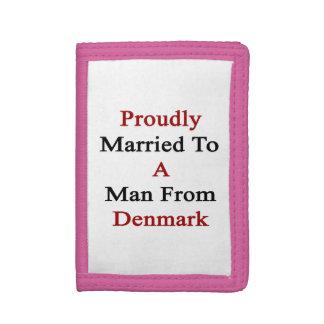 Casado orgulloso con un hombre de Dinamarca