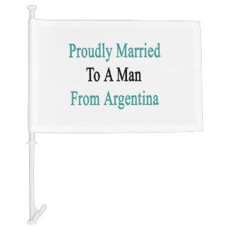 Casado orgulloso con un hombre de la Argentina