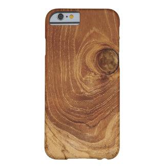 Casamata de madera rústica del iPhone 4 de la foto Funda De iPhone 6 Barely There