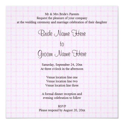 Casando diseño en pálido - control rosado y texto invitación 13,3 cm x 13,3cm
