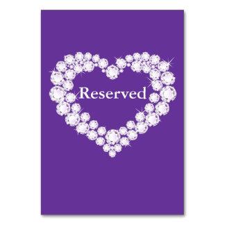 Casando la tabla púrpura del corazón del diamante