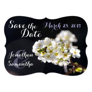 """Casando reserva las flores blancas del árbol de invitación 5"""" x 7"""""""