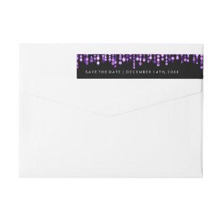 Casando reserva las luces púrpuras modernas de la etiquetas envolventes de remitente