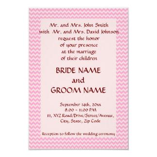 """Casandose - el zigzag rosado, pica el fondo invitación 3.5"""" x 5"""""""