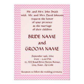 """Casandose - el zigzag rosado, pica el fondo invitación 5.5"""" x 7.5"""""""